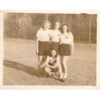 Otwarcie sezonu lekkoatletycznego w Sopocie, Zwycięska sztafeta HKSu, Sopot 13.04.1947 r.