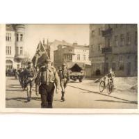 Powrót Hufca Harcerskiego Sopot ze zlotu w Szczecinie, Sopot ul. 1 Maja, 1946 r.