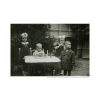 Czwarte urodziny Krzysztofa Szymborskiego i zaproszeni goście, Sopot 1946 r