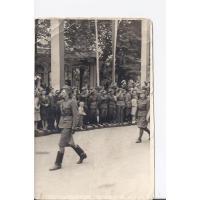 Alina Figarska na paradzie z okazji 22 lipca (ul. Grunwaldzka), Sopot 1945 r.