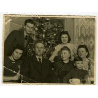Wigilia u rodziny Nowakowskich, Sopot 1945 r.