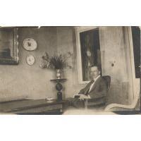 Arthur Claaszen na werandzie sopockiej willi, ok. 1910-1914 r.