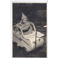 Barbara Nawrocka w wózku, Sopot 1949 r.