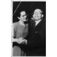 Eufozyna Trzeciak i Władysław Pietrzak podczas zabawy sylwestrowej zorganizowanej przez Straż Pożarną, Sopot 1946 r