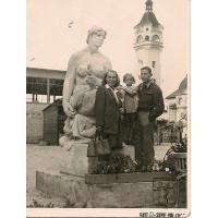 Janina, Grażyna i Kazimierz Mazur, Sopot 1947 r.