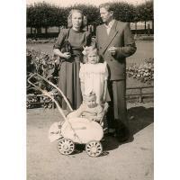 Rodzina Mazurów - Kazimierz, Janina z dziećmi  Grażyną i Bohdanem, Sopot 1948 r.