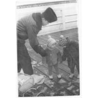 Edward Hodura z synami na molo, Sopot 1968 r.