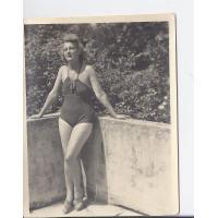 Alicja Niewęgłowska na tarasie, Sopot 1947 r