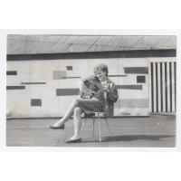 Elżbieta Geyer czyta Amerykę przed Non Stopem, Sopot 1961 r.