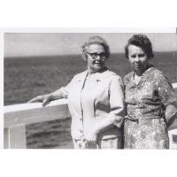 Helena Błasińska z córką Zofią, Sopot lata 60. XX w.