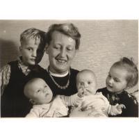 Hilde Fritzler z dziećmi