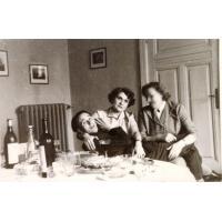 Spotkanie towarzyskie w domu rodziny Wieloszewskich na ul. Kościuszki 11, Sopot lata 60. XX w. fot. 2