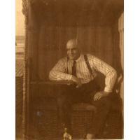 Jakub Schutta na sopockiej plaży, lata 30. XX w.