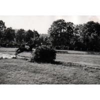 K. Szyszkowski na koniu Saturn skacze przez nieistniejąca przeszkodę, 12.07.1969 r.