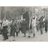 Pochód z okazji Pierwszego Maja, Sopot lata 50. XX w.