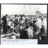Plażowy brydż w Łazienkach Północnych, Sopot 1960 r.