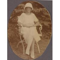 Ruth Koch z domu Claaszen w ogrodzie sopockiej willi