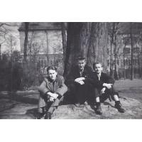 Z kolegami z Technikum Mejrowski, Bojanowicz, Sopot 1952 r.