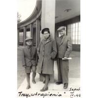 Teresa Lichodziejewska z braćmi, Sopot 1948 r.