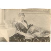 Theodora Claaszen, w żałobie po stracie pierwszego męża, odpoczywa na werandzie willi, Sopot 1915 r.
