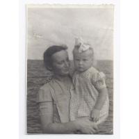 Wirginia z mamą Franciszką, Sopot lata 40. XX w.